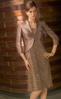 Vestido-ocre-de-Morilee-250x400
